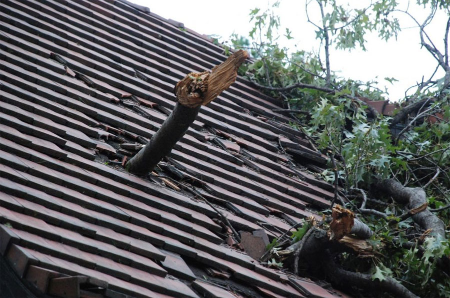 Tips to Handle Emergency Roofing Repairs