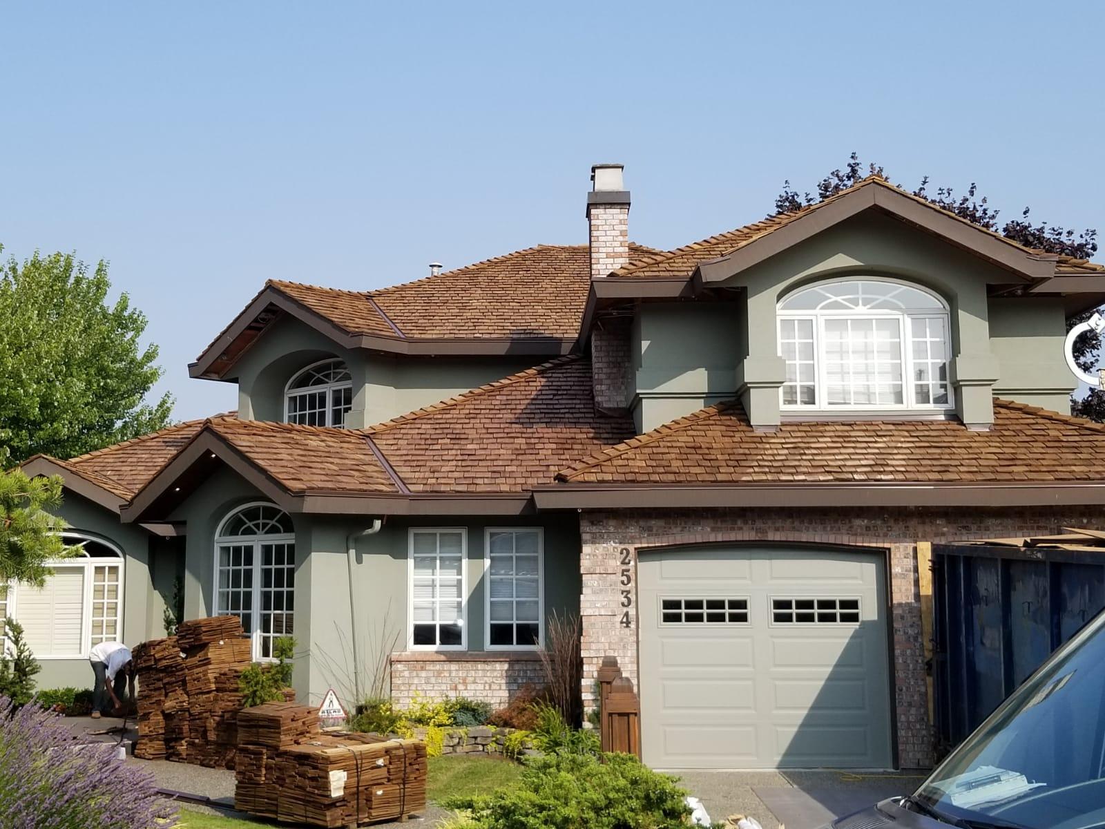 Cedar-shakes-roof-in-Coquitlam-BQR